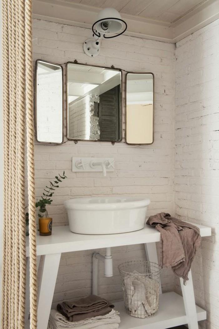miroir-grand-format-simple-salle-de-bain-moderne