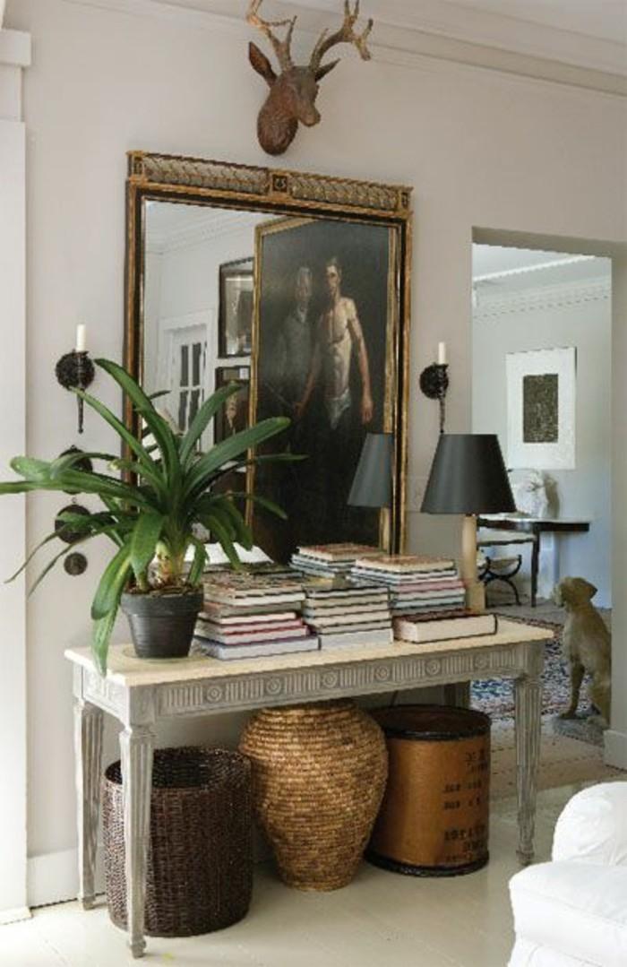 miroir-grand-format-toilette-tabouret-lampe-table