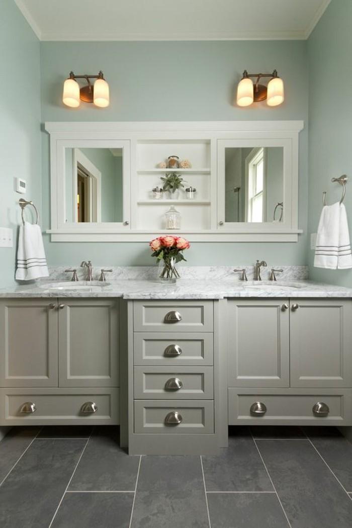 miroir-salle-de-bain-des-miroirs-magnifiques-des-deux-cotés