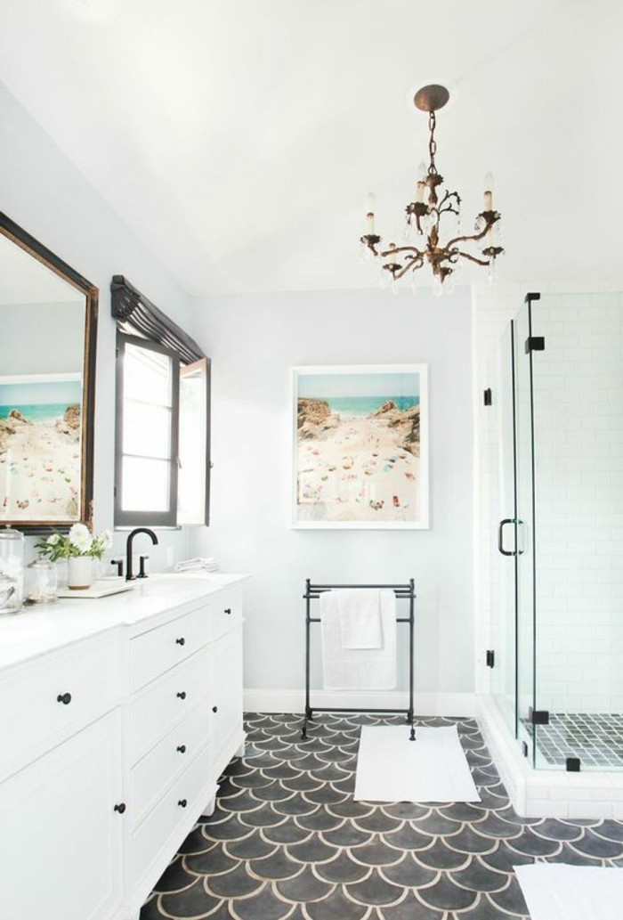 miroir-salle-de-bain-ici-tout-est-en-blanc-un-joli-design
