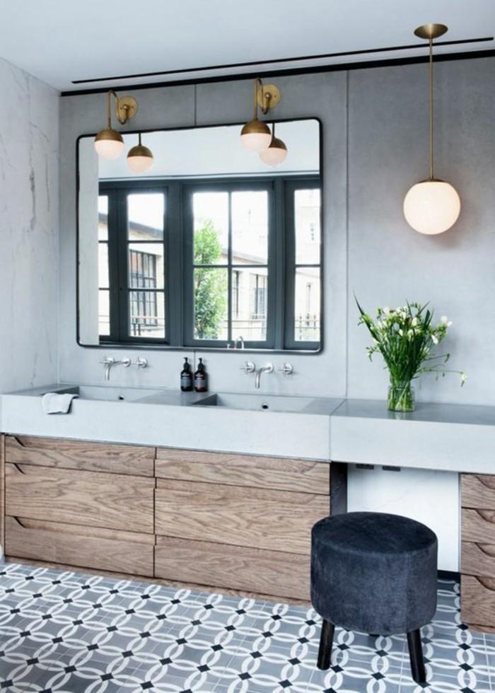 miroir-salle-de-bain-miroir-carré-tabouret-gris