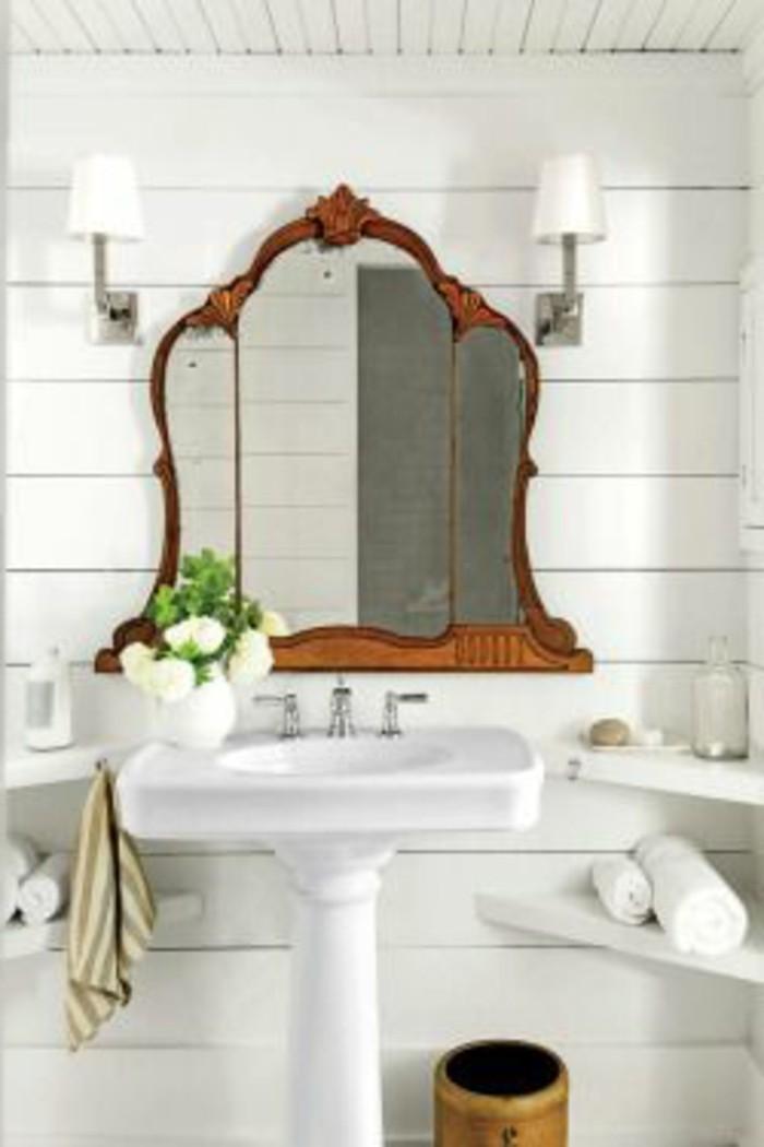 miroir-salle-de-bain-un-miroir-forme-unique