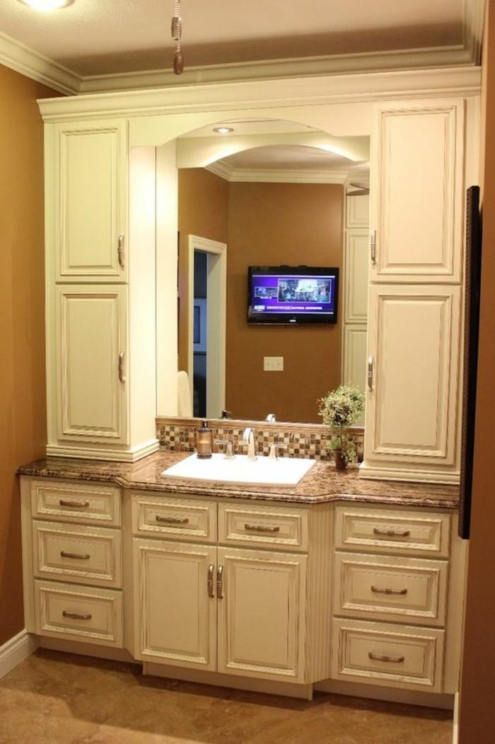 miroir-salle-de-bain-vue-sur-la-television