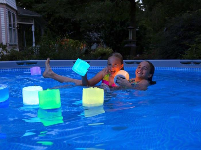 objet-lumineux-flottant-eclairage-piscine-eclairer-bassin