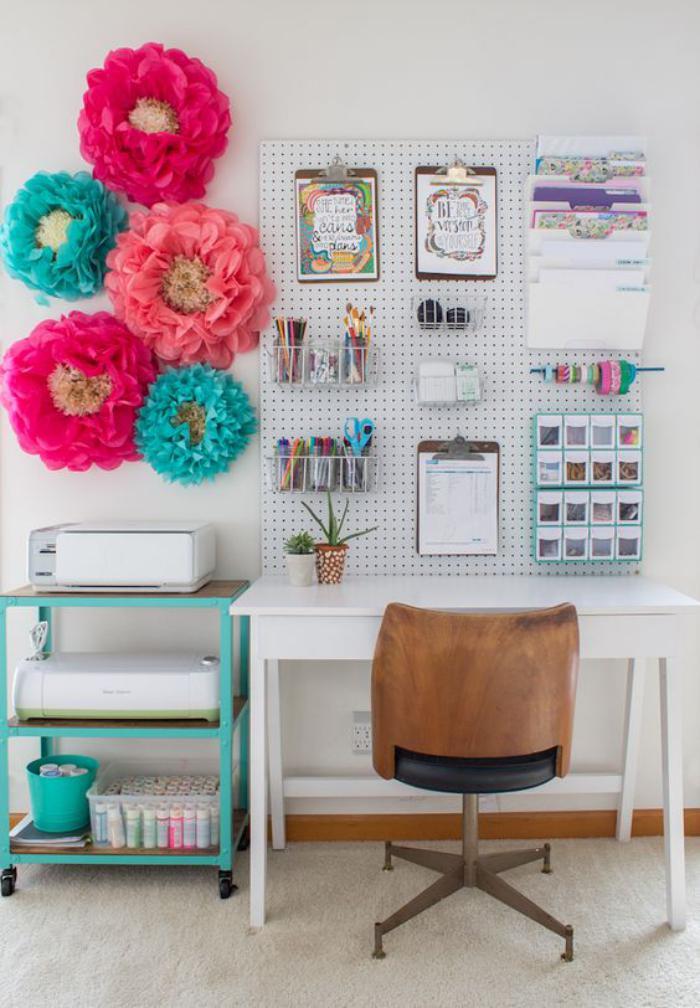 organisateur-de-bureau-tableau-perforé-pour-organiser-lespace-de-travail