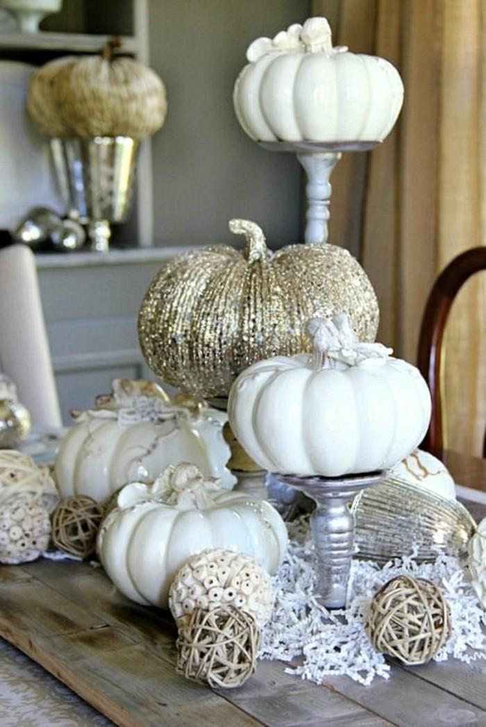 originale-deco-table-halloween-idee-deco-citrouilles-blanches-bricolage-automne