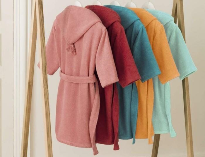 peignoir-de-bain-enfant-plusieurs-couleurs-paresse-avec-pompon-linvosges-resized