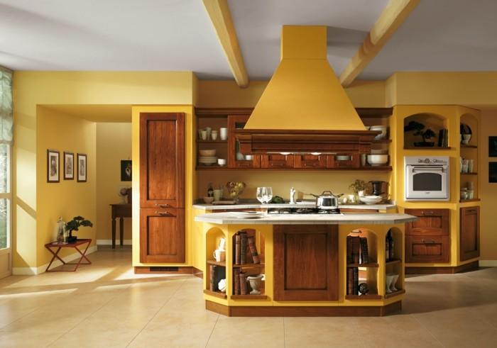 petite-cuisine-tres-accueillante-exemple-peinture-cuisine-jaune-cuisine-integree-meubles-en-bois