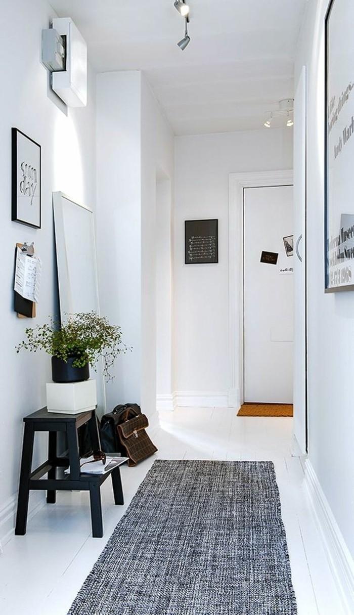 petit-meuble-d-entre-comment-organiser-l-espace-de-votre-entree-sol-en-planchers-blancs