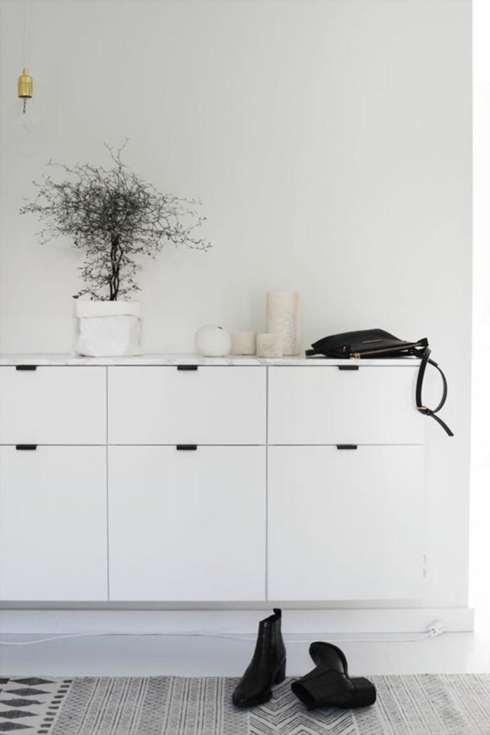 petite-console-d-entree-design-mural-en-bois-blanc-meuble-design-mural-pour-votre-couloir
