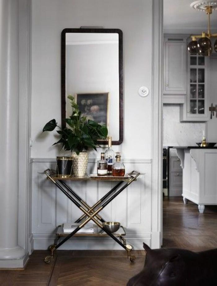 petite-console-d-entree-style-baroque-en-fer-dore-avec-miroir-rectangulaire-design-mural