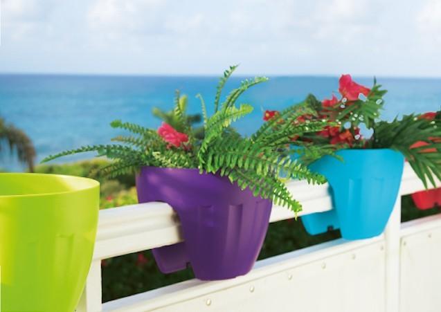 pot-cache-pot-jardiniere-balcon-pas-cher-balconniere-plastique-gifi
