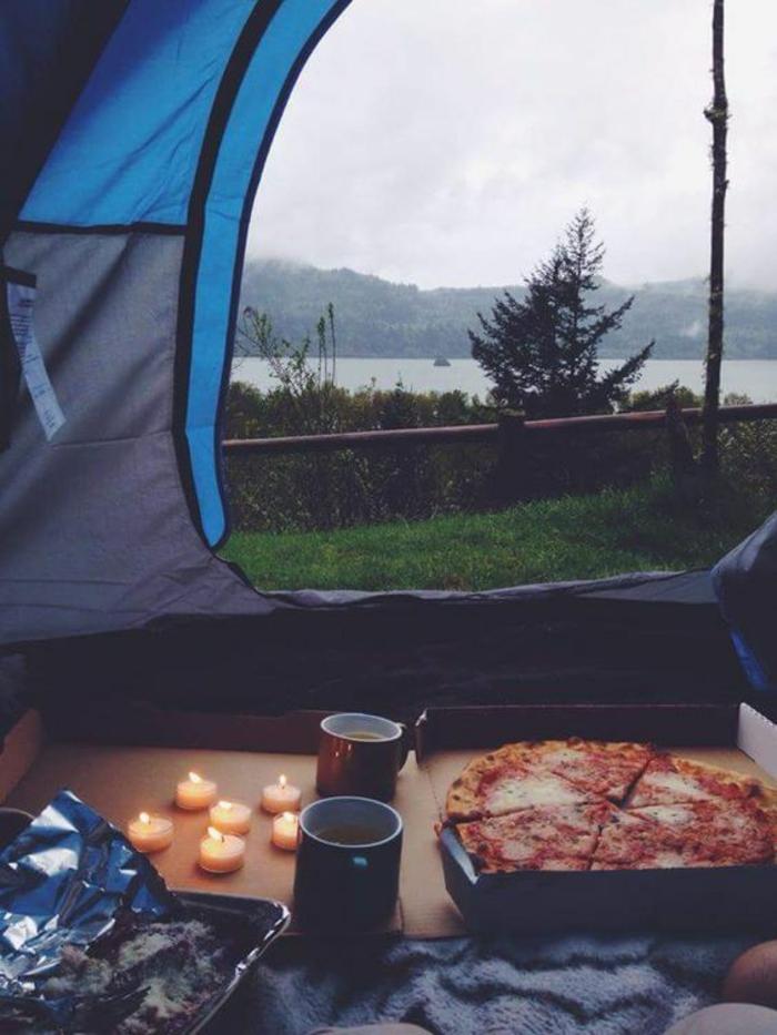 restaurant-saint-valentin-idee-saint-valentin-camping-pizza