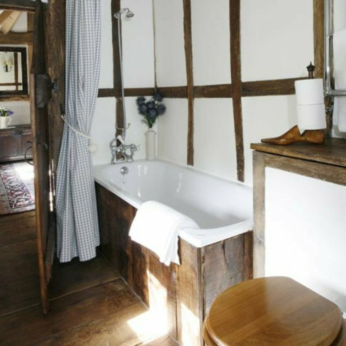 salle-de-bain-rustique-en-bois-brut-plan-d-amenagement-petite-salle-de-bain-idees