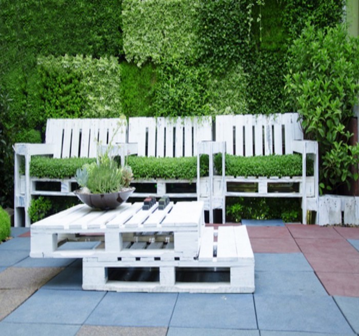 Best meuble jardin en palette contemporary awesome interior home satellite for Idee table de jardin en palette