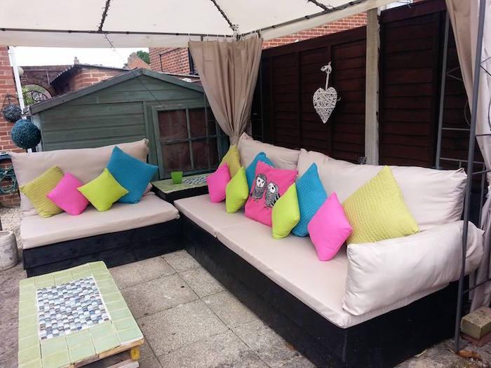 52 id es pour fabriquer votre meuble de jardin en palette - Fabriquer un salon de jardin en palette ...