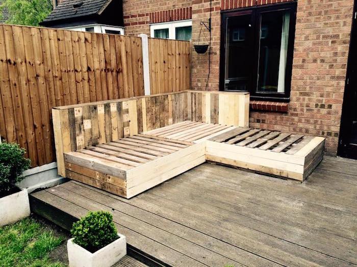 Salon de jardin en palette dossier incline - Salon de jardin bois de palette ...