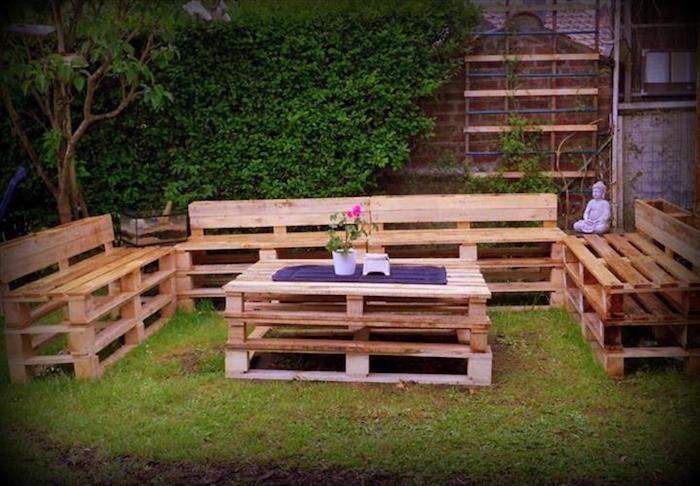 salon-de-jardin-en-palette-simple