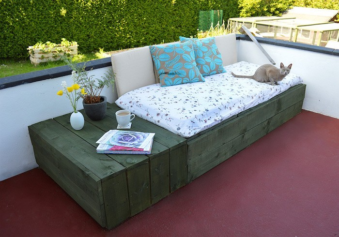 52 id es pour fabriquer votre meuble de jardin en palette for Peinture pour meuble de jardin en plastique