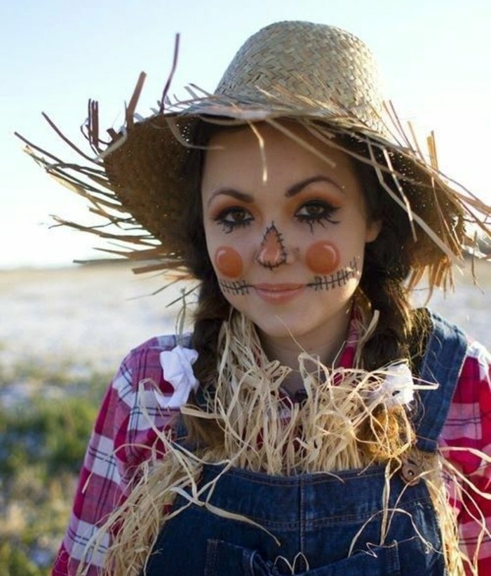 cute-suggestion-for-your-easy-halloween-costume-scarecrow-inspired-idea-of-the-tale-alice-in-wonderland