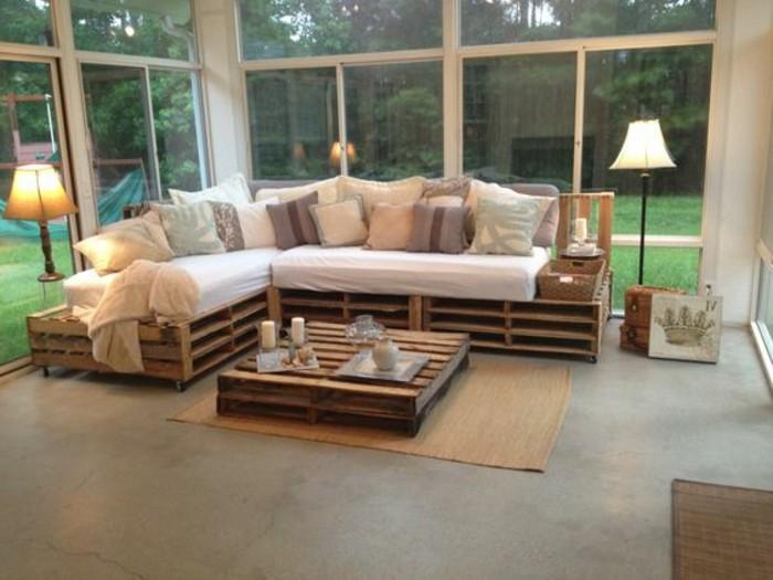 superbe-canape-en-palette-table-en-palette-joli-decor-esthetique-et-naturel-pour-votre-interieur