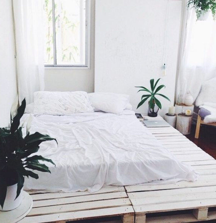 superbe-idee-meuble-en-palette-comment-fabriquer-un-lit-en-palette-ambiance-zen