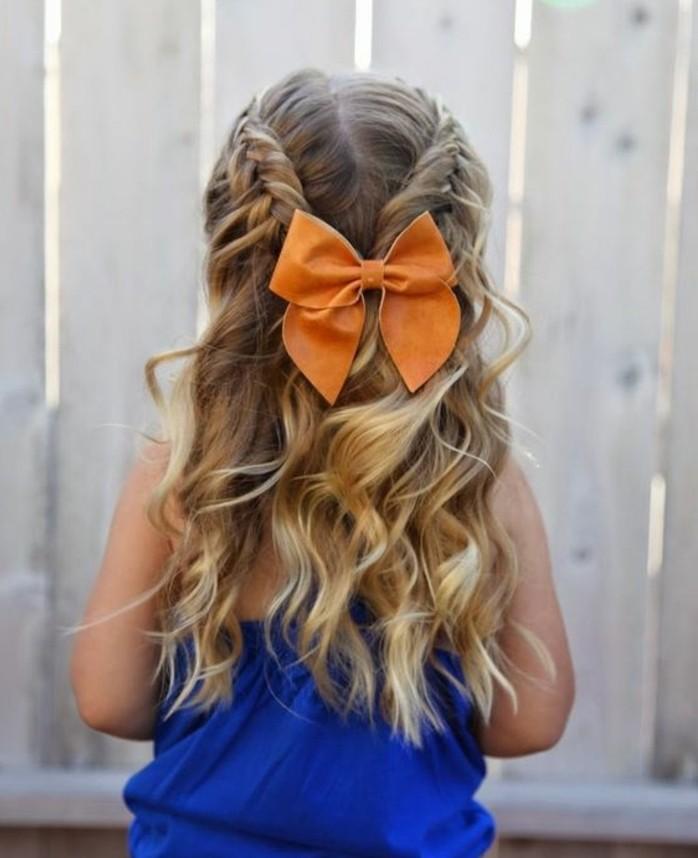 superbe-tresse-enfant-avec-tresses-en-epi-de-ble-et-noeud-orange