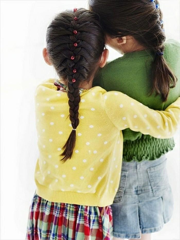 tresse-enfant-francaise-idee-tres-classique-et-toujours-actuelle-pour-les-petites-demoiselles