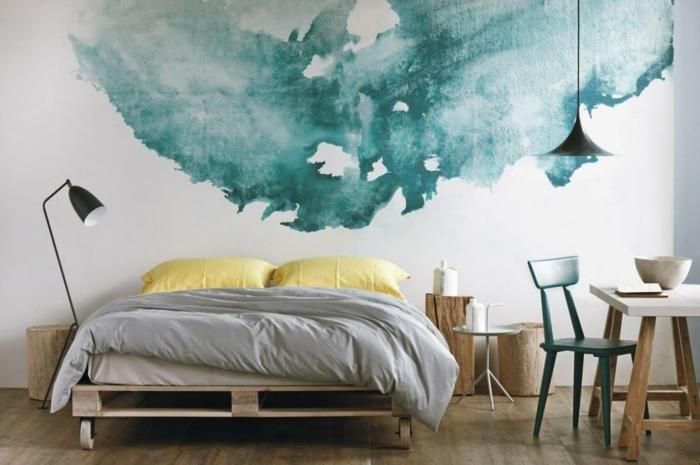 une-chambre-tres-ecolo-idee-comment-faire-un-meuble-en-palette-geniale-deco-murale-artistique