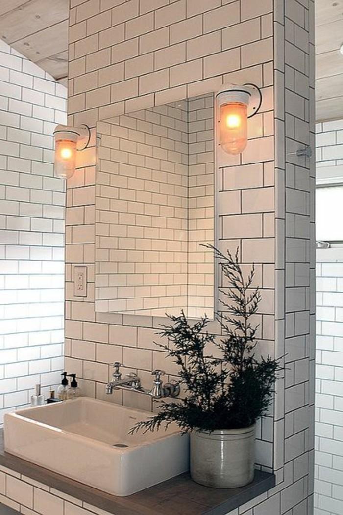 vasque-a-poser-rectangulaire-carrelage-blanc-deux-appliques-murales-18