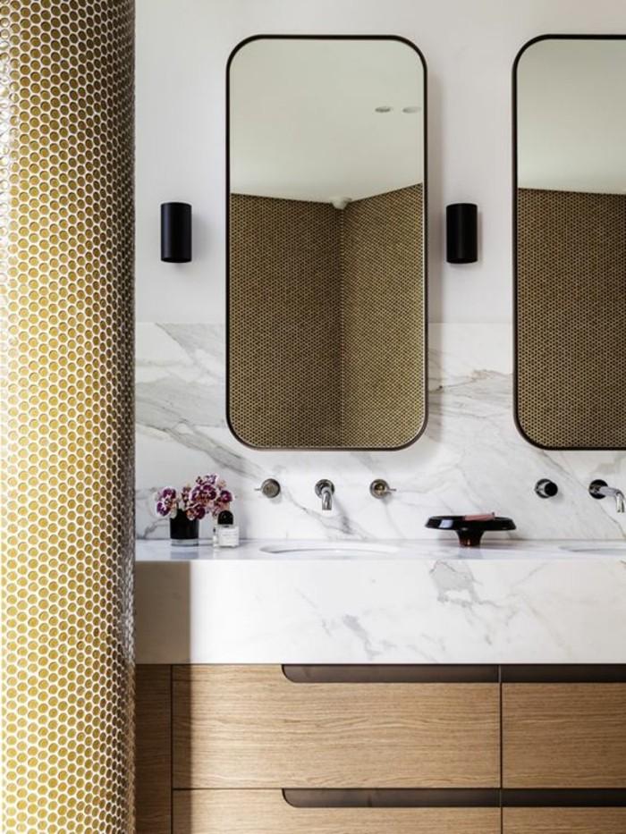 vasque-a-poser-rectangulaire-deux-miroirs-et-carreaux-blancs-muraux-30