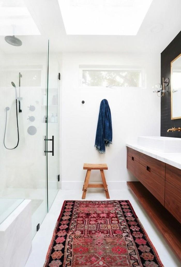 vasque-a-poser-rectangulaire-tapis-sur-sol-blanc-14