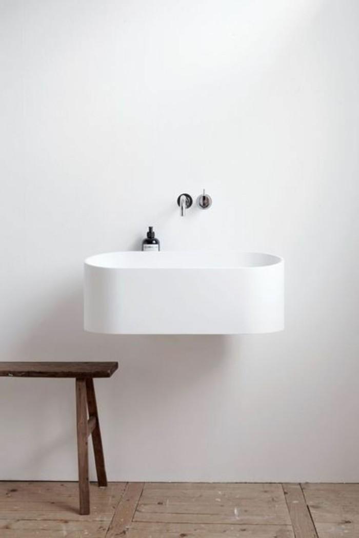 vasque-salle-de-bain-claire-mur-marbre-bois
