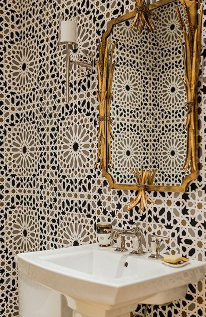vasque-salle-de-bain-colore-style-dore-miroir