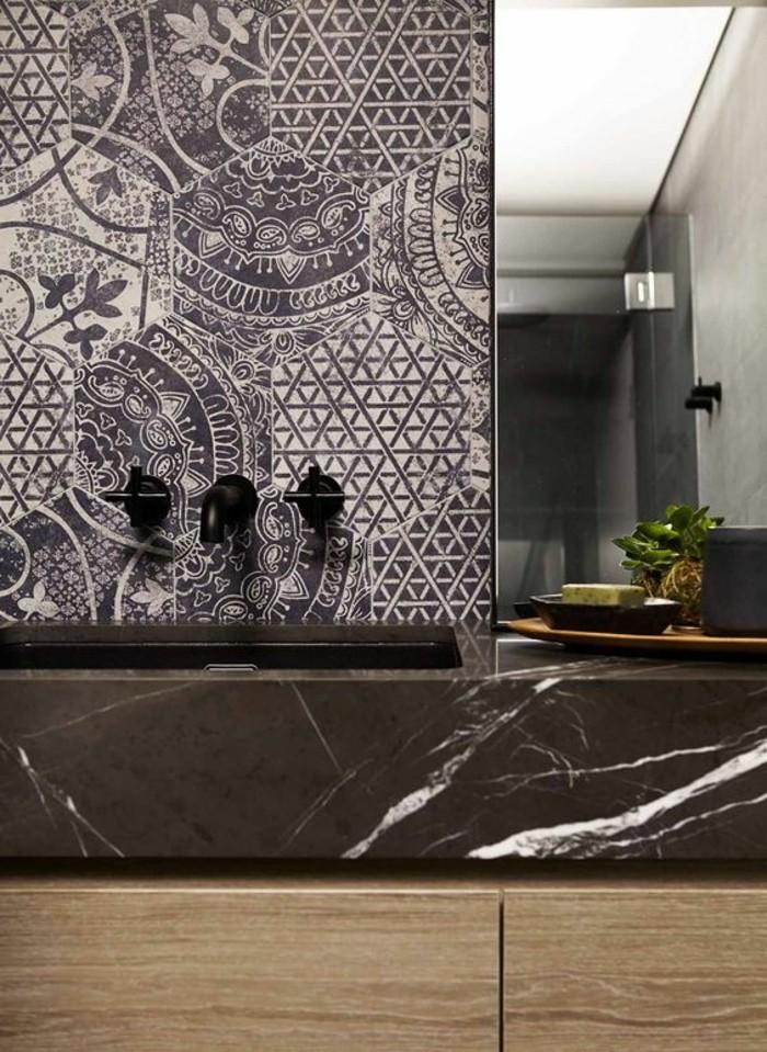 vasque-salle-de-bain-gris-marron-miroir-carreau-bois