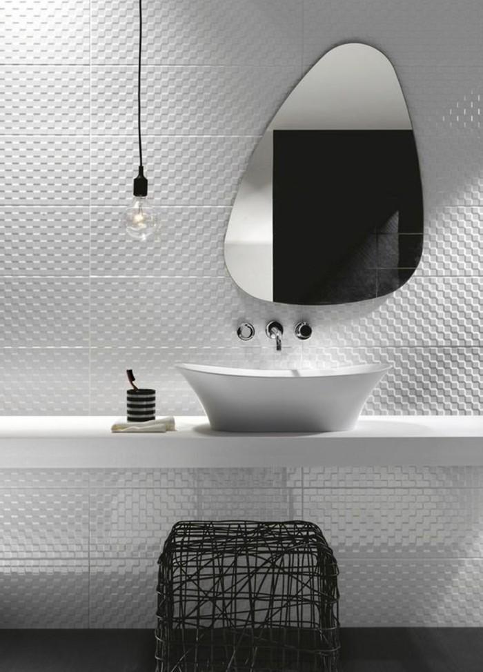 vasque-salle-de-bain-miroir-lampe-tout-en-blanc-moderne