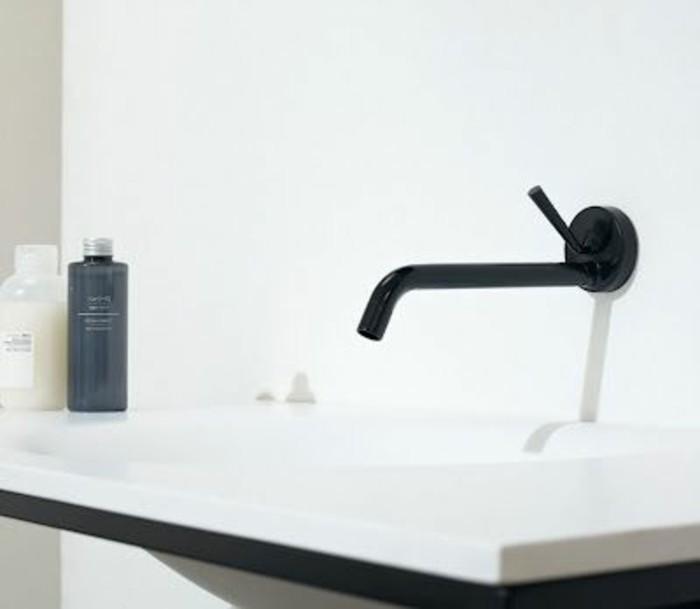 vasque-salle-de-bain-noir-blanc-simple-chic-moderne