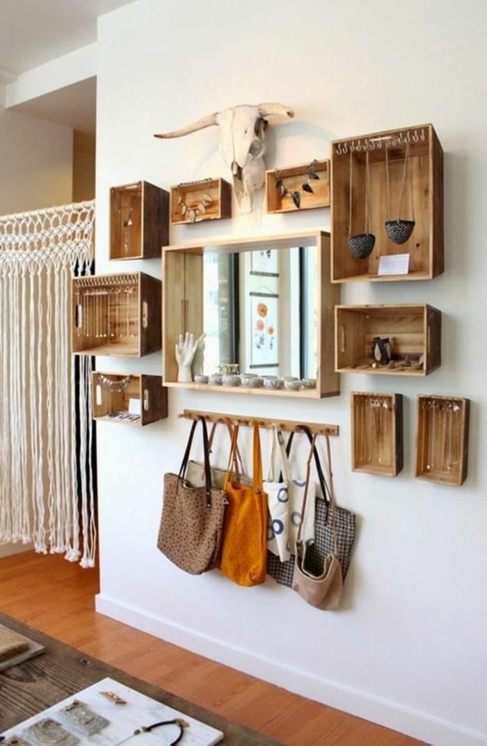 Comment sauver d 39 espace avec les meubles gain de place - Cagette en bois pas cher ...
