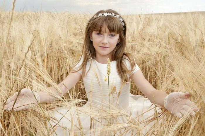 elegante-coiffure-communion-facile-a-realiser-accessoire-cheveux-magnifique