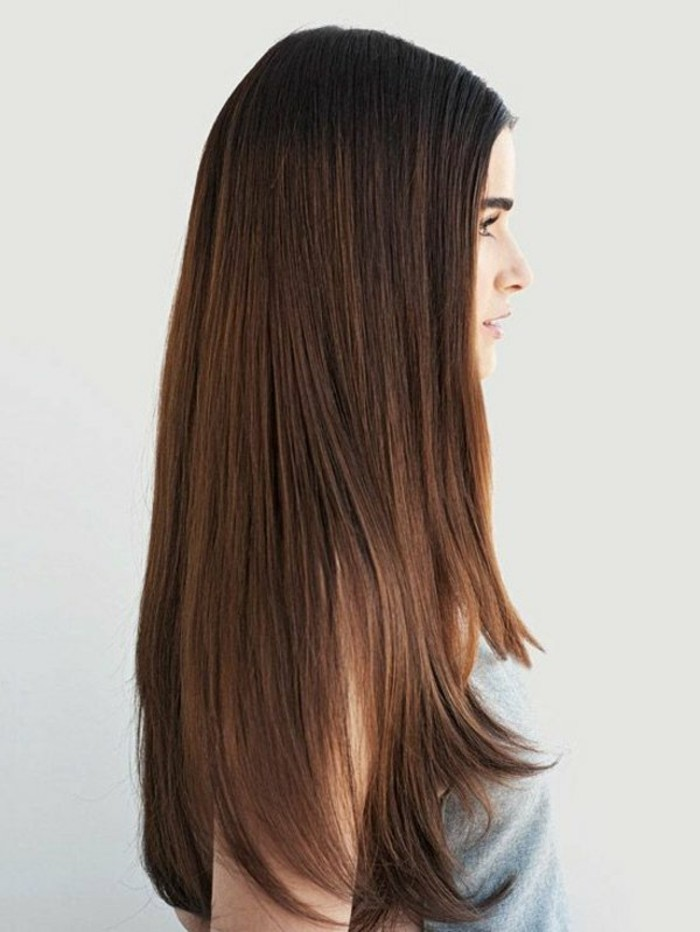 0-couleur-de-cheveux-chatain-naturel-cheveux-longs-marron-coloration-chocolat