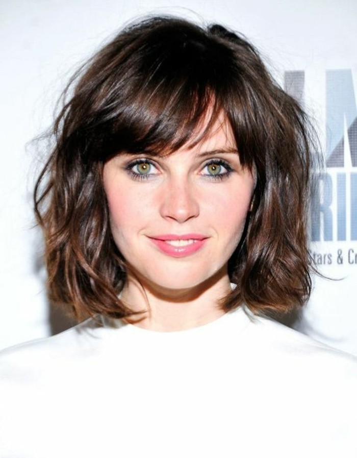 0-coupe-courte-tendance-yeux-marron-verts-marron-glace-couleur-cheveux