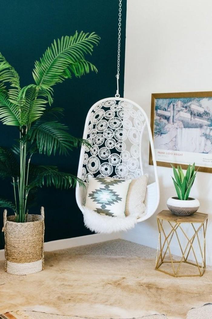 03-fauteuil-hamac-blanc-un-pot-avec-une-plante-verte
