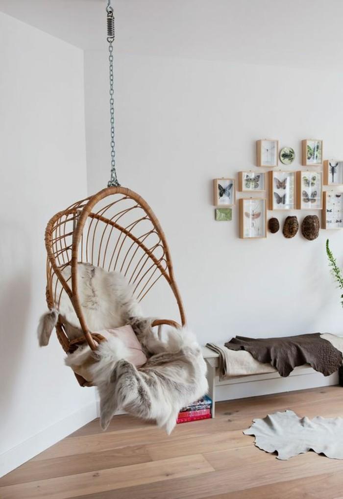 04-fauteuil-hamac-des-tableaux-avec-des-papillons