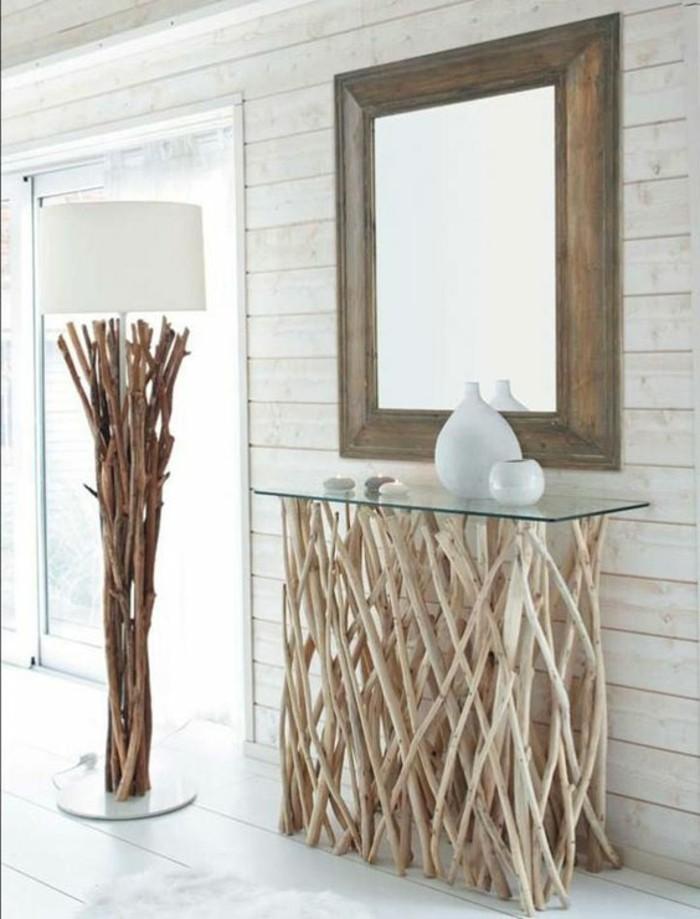 07-amenager-une-entree-un-miroir-une-vase-et-une-lampe-blanches