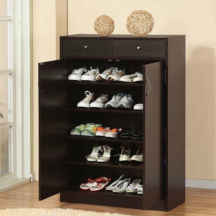 07-meuble-a-chaussures-la-couleur-cest-le-noir