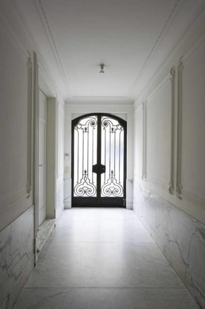 18-deco-feng-shui-murs-plancer-et-plafond-blancs