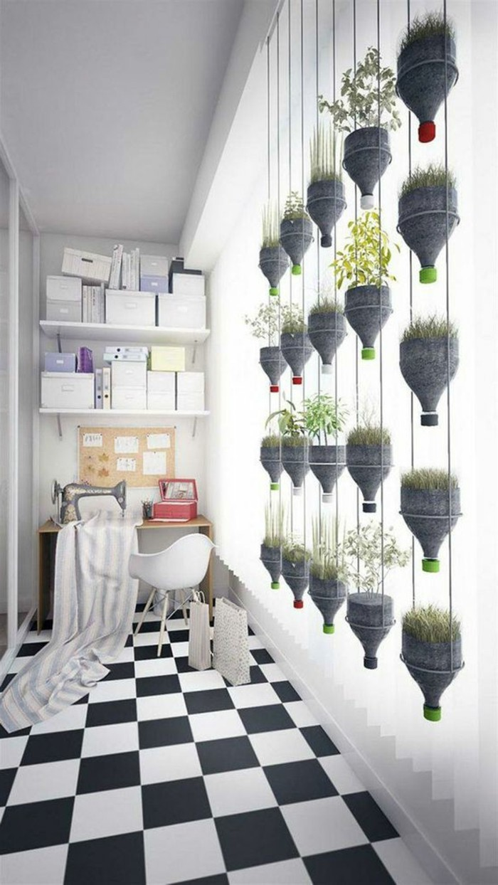 18-decoration-couloir-le-plancher-est-en-noir-et-en-blanc