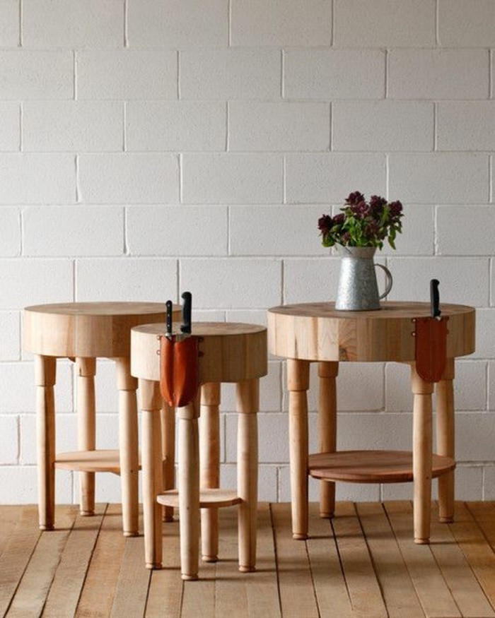 23-meuble-couloir-trois-petites-tables-pres-du-mur