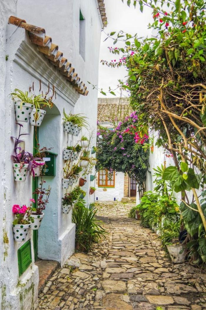 28-decoration-couloir-plein-de-verdure