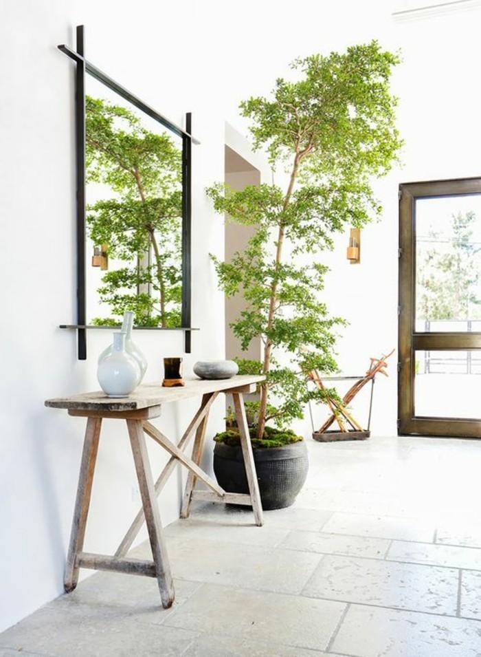 39-idee-deco-couloir-un-arbre-vert
